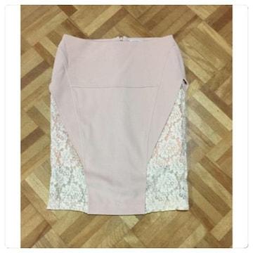 美品リリーブラウン サイドレースタイトスカート