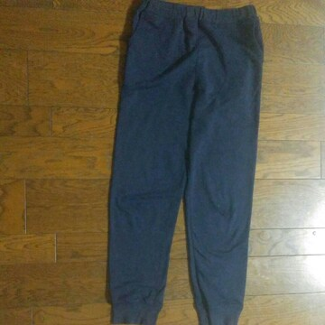 140 GU 長パンツ