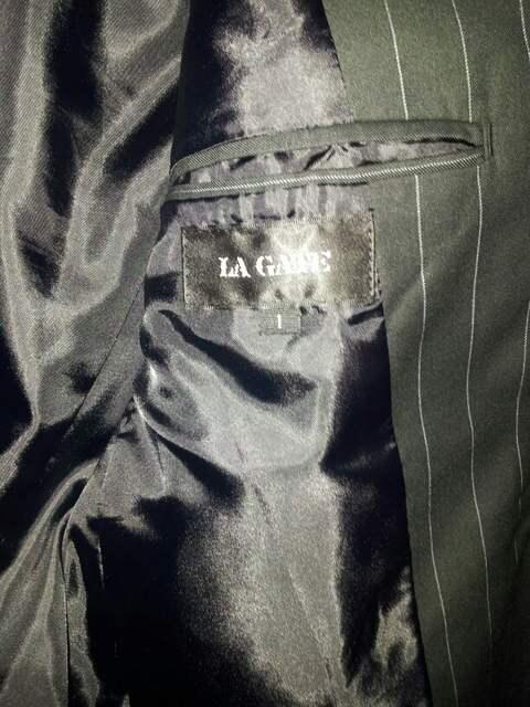 LA  GATE ドレススーツ サイズ1  新品同様  黒(ストライプ) < ブランドの