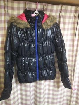★ecrire オシャレデザイン ダウンタイプ サイズM カラー ブラック テカテカ 注目!