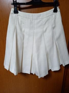 �A 白のショートパンツ