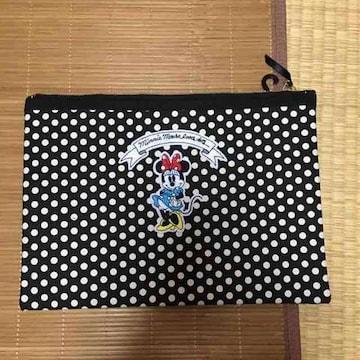 ユニクロ×ディズニー・ミニーマウスワッペンクラッチバッグ。