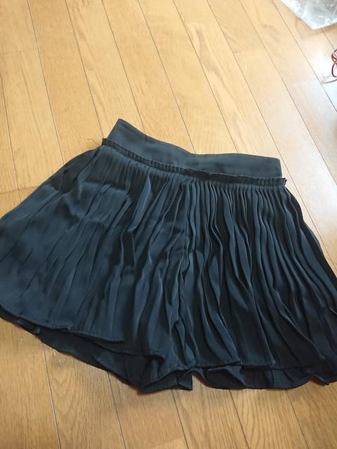 黒 フリンジショートパンツ  < 女性ファッションの