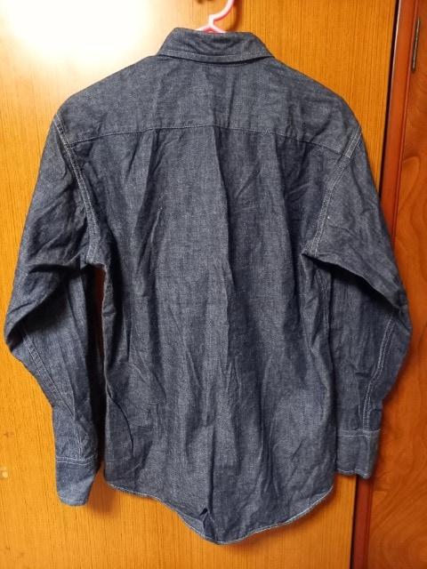 ∞ デニム風シャツ < 女性ファッションの