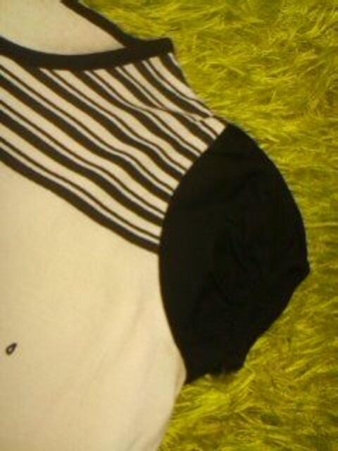 ●パフスリプックリ袖カットソー● 110 < キッズ/ベビーの