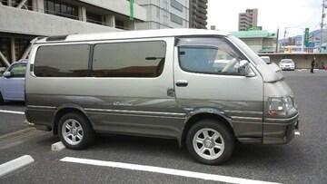 バニングViP100系ハイエース☆メッキフェンダートリム!