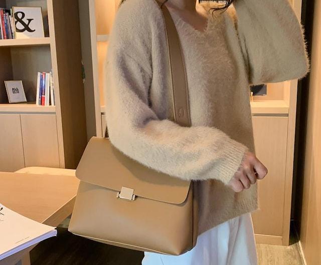 新品レザー調メッセンジャーバッグ/ショルダーバッグ茶ブラウンレディース < 女性ファッションの