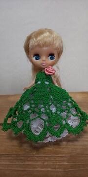 プチブライスグリーンのレース編みドレス