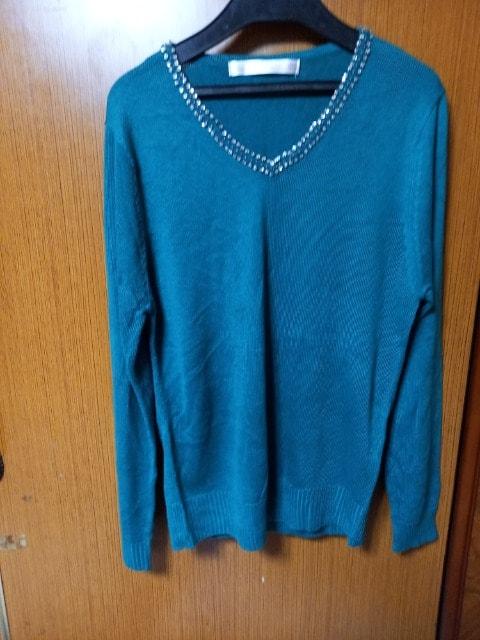 ∞ 緑色のセーター  < 女性ファッションの