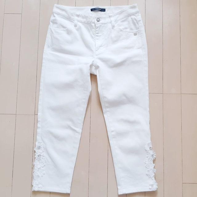 ◆美品◆COTTO◆コトゥー◆ホワイト◆デニムパンツ◆フラワー◆  < 女性ファッションの