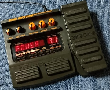 ZOOM BFX-708 BASS EFFECTS PROCESSOR