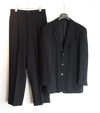 size46☆美品☆アルマーニ黒ラベル 3釦ブラックスーツ 略礼服