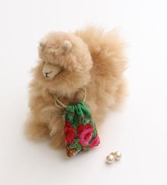 KARINEコットンパールピアス付きアルパカ人形ペルー製レア