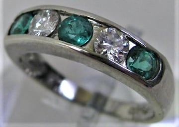 Pt900プラチナ リング 指輪 エメラルド 0.48ct ダイヤ 0.38ct