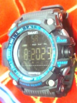 マッドブラックG-SHOCKスカイコックピットみたいな腕時計デジタル反転液晶