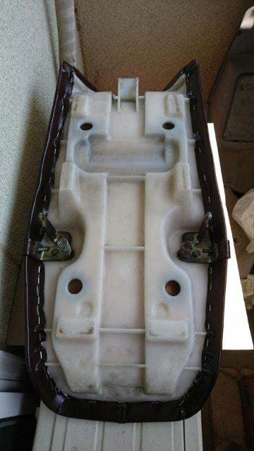 RZ250R/後期/角テール/未使用 タックロール 焦茶 < 自動車/バイク