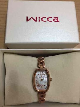 wiccaゴールド腕時計