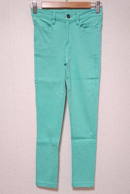 送料込み 新品未使用 スキニーパンツ  < 女性ファッションの