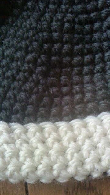 手編みのドングリ帽子です。 < 女性ファッションの