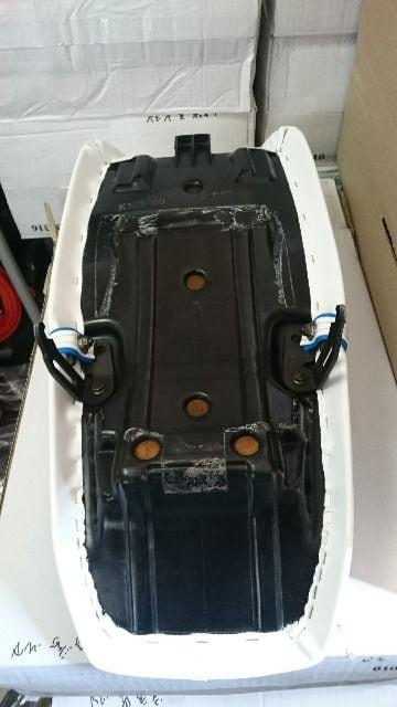 VT250FE/250Z/MC08 未使用 タックロール 白青 < 自動車/バイク