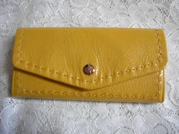 ロベルタ エナメル長財布