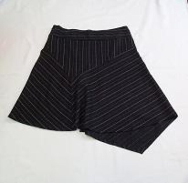 ■HEART MOON  STAR/ステッチ刺繍入 デザインスカート < 女性ファッションの