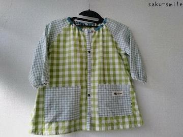saku-smile   スモック 90~100 飾りボタンちっちゃい刺繍