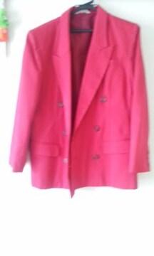 赤いスーツ