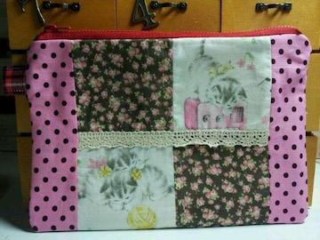 144)ハンドメイド♪レトロ猫チャン♪可愛いパッチの多目的ポーチ★母子手帳入れ