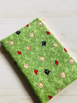 ハンドメイド☆ぺたんこポーチ 鯛と猫ちゃん柄