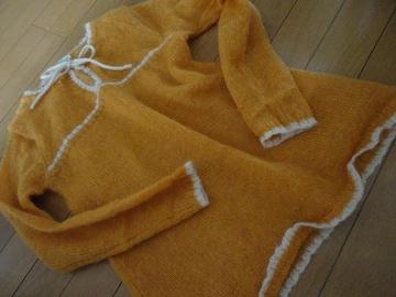 綺麗なオレンジニットワンピ