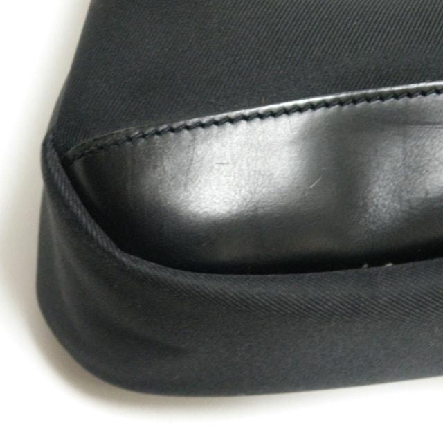 ハンティングワールド 巾着 ショルダーバッグ 黒 良品 正規品 < ブランドの
