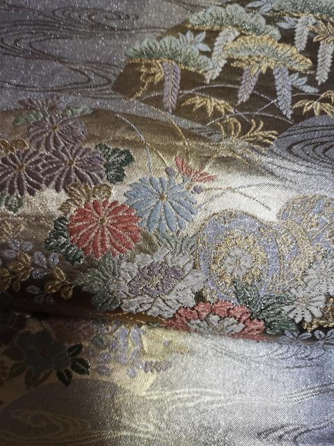 綺麗な花柄の袋帯です。 < 女性ファッションの
