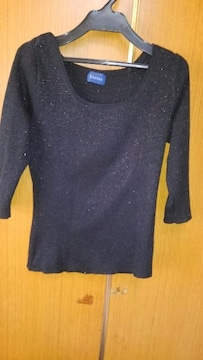 �B黒にキラキラ入のセーター