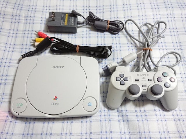 PS one プレイステーション ワン�A  < ゲーム本体/ソフトの