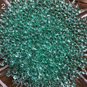 新品 200個 ダイヤモンド型 ハンドメイド材料 大きさ4.5mm穴なし
