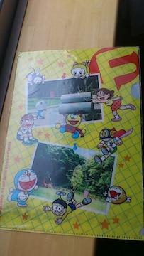 〓ローソンノベルティ〓藤子・F・不二雄ミュージアム一周年記念クリアファイル〓イエロー〓