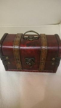 中古品 アンティーク 木製 宝箱型 小物入れ!