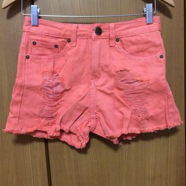 送料込み☆ ダメージ!ショートパンツ  < 女性ファッションの