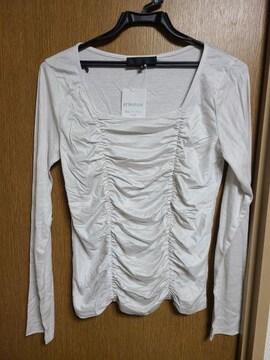 アンタイトル昨季新品ベージュ長袖カットソープルオーバー大きいサイズ411号12号L
