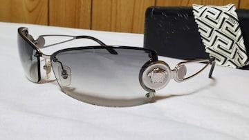 正規 ハイド ヴェルサーチ メデューサロゴ メタルフレームサングラス 黒 ラグジュアリーアイウェア