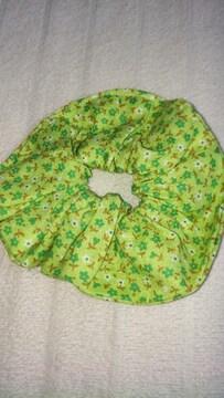 ハンドメイド。黄緑小花