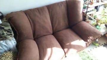 厚みあるソファー