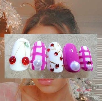 ジェルネイルチップ☆付け爪〜チェリー×ビビッドピンク