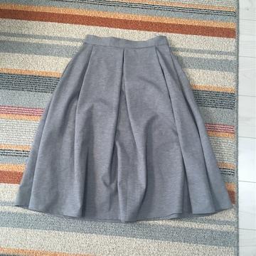 ジーユーGUひざ丈スカート丈63ウエストはゴムMサイズ