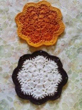 手編み二色ドイリー二枚組 オレンジ&焦茶