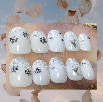 ジェルネイルチップ☆付け爪☆ホワイト×雪の結晶&トナカイ