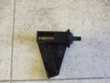 激安売り切MC21SワゴンR給油口開閉スプリング