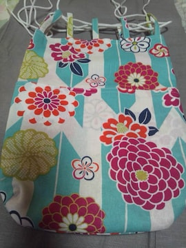 ☆新柄白×若緑矢絣大花和柄信玄巾着袋リバーシブル