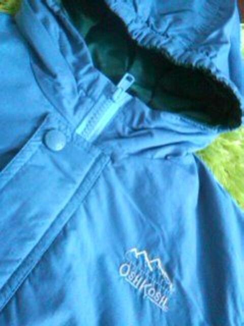 ●オシュコシュ● 中綿入フード付ジャンパー 75 < ブランドの